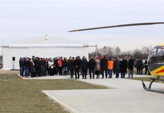 Pierwszy lot tuż po inauguracji