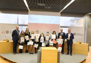 Dwadzieścia lat samorządu oczami dzieci i młodzieży