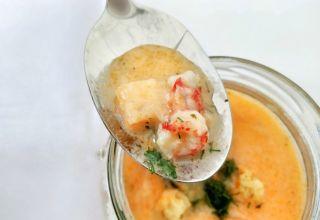 Pranzunki i zupa rakowa na liście
